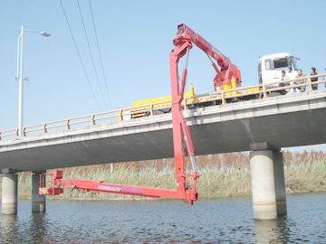 China 16m Bucket under  Bridge Access Equipment  Bridge Inspection units DONGFENG chassis  6 × 4 drive mode factory